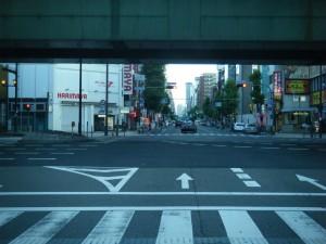 6:35 堺筋を北上し、地下鉄・近鉄「日本橋駅」2番出口