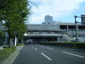 川西能勢口駅前